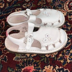 kids stride rite white sandals